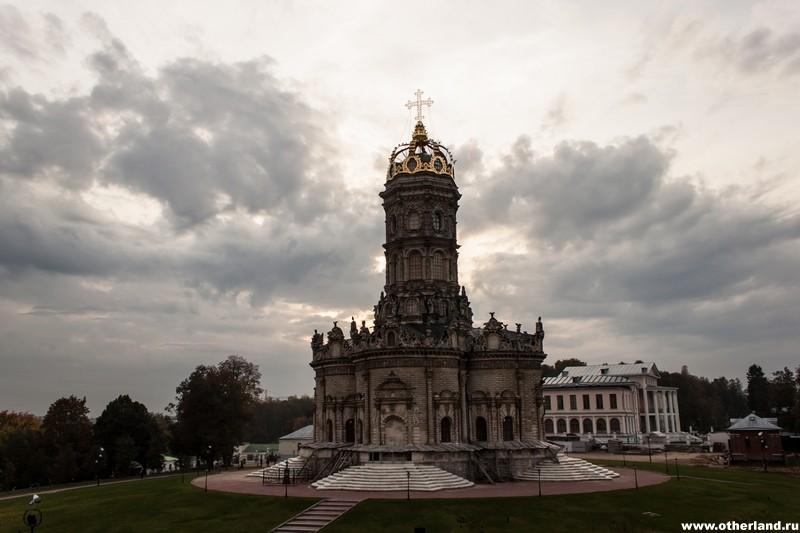 Дубровицы. Храм Знамения Пресвятой Богородицы.
